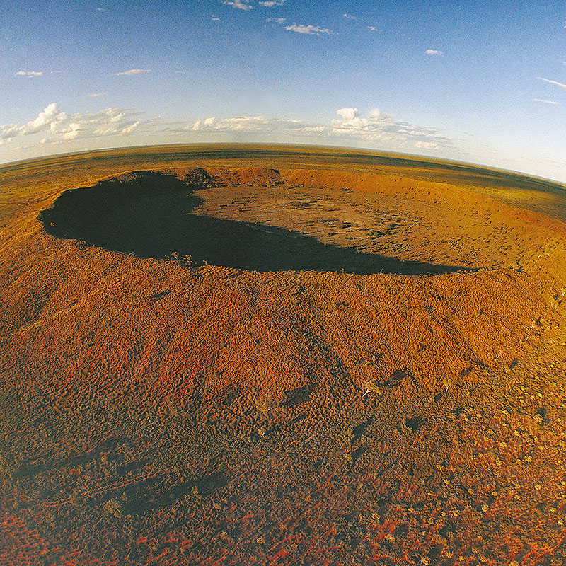 TANAMI TRACK, WOLFE CREEK CRATER